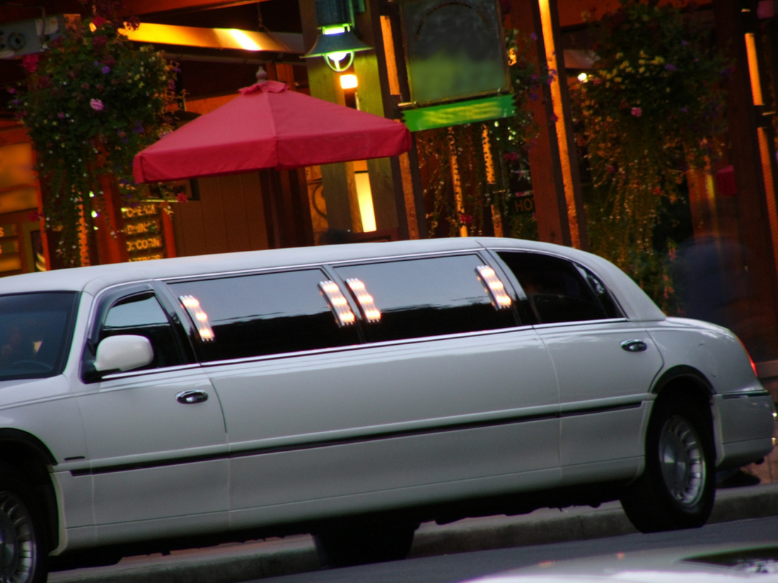 Raleigh Limo - Dining in Style